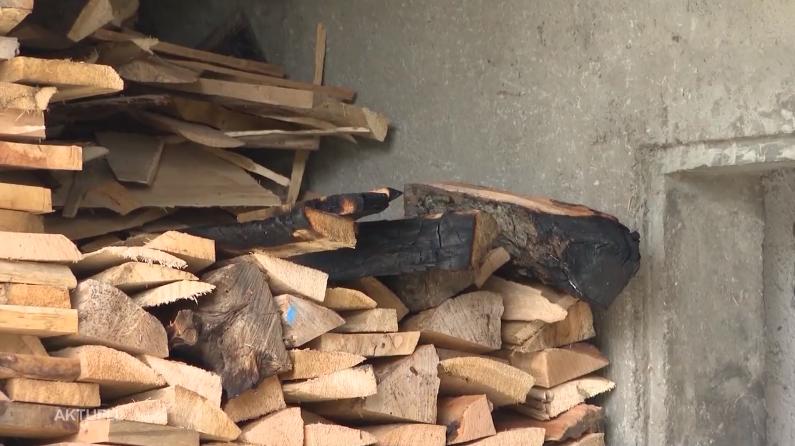 Die Hausbesitzer konnten das Feuer selbständig mit einem Kessel Wasser löschen.