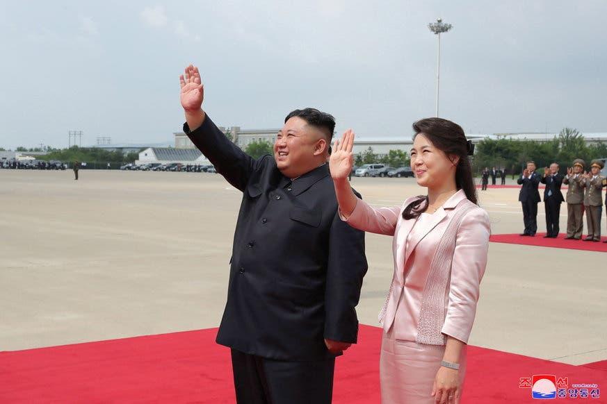 Kim Jong Un (hier mit Ehefrau Ri Sol-Ju): Ein Mann der Nordkorea mit eiserner Hand führt.