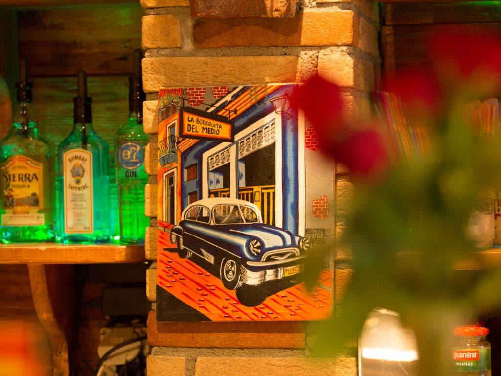 Über 1000 Personen, die am 3. und 4. Oktober die Cuba Bar in der Berner Innenstadt besuchten, sind in Quarantäne. Das Kantonsarztamt hat die Bar geschlossen.