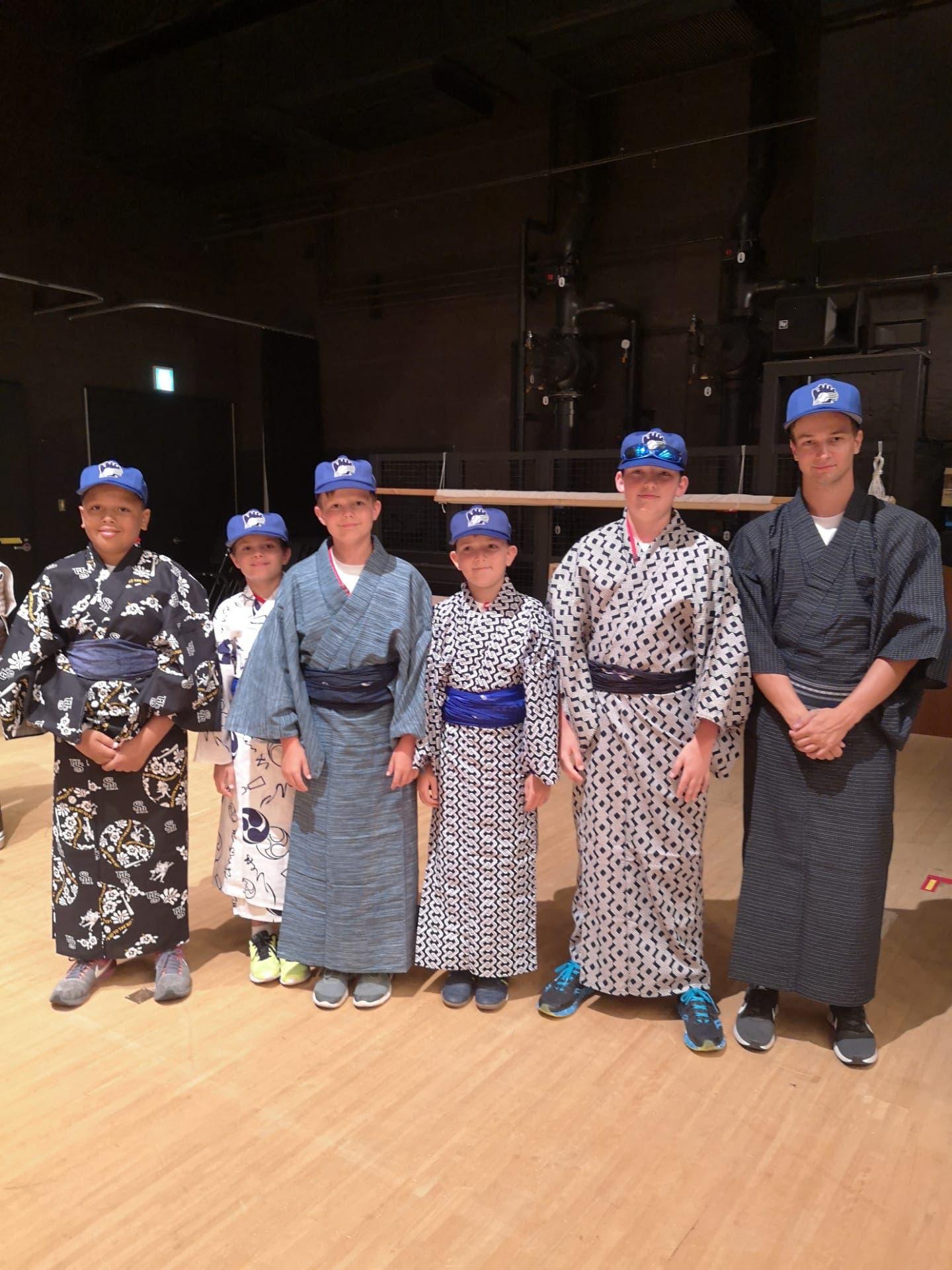 Schweizer Delegation am WCBF 2019 in Japan viel japanische Kultur im Camp - hier im Kimono