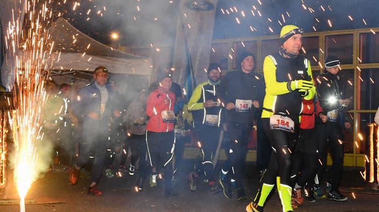Eine spezielle Art, ins neue Jahr zu wechseln: Läufer aus 51 Nationen nehmen am Neujahrsmarathon teil