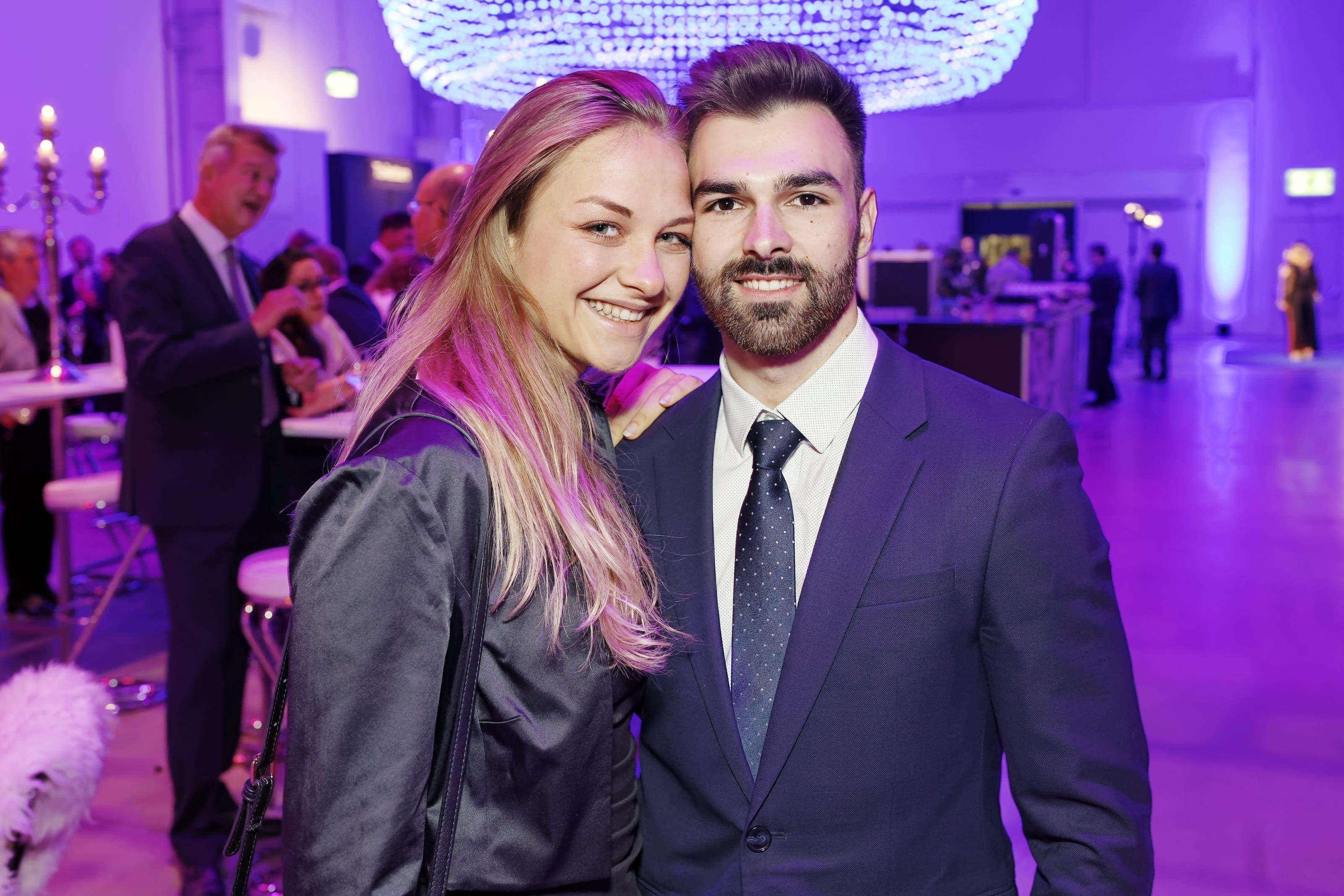 Oliver Hegi, Kunstturner und Aargauer des Jahres 2018 mit Freundin Julie Bichsel.