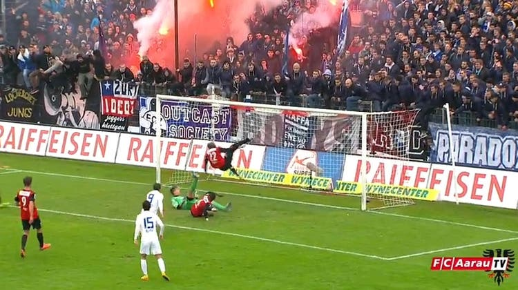 Der FC Aarau wird weltbekannt – wegen einer genialen Fallrückzieher-Rettungsaktion