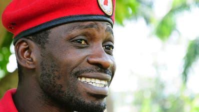 """Bobi Wine wegen """"Verhöhnung"""" des Präsidenten angeklagt"""
