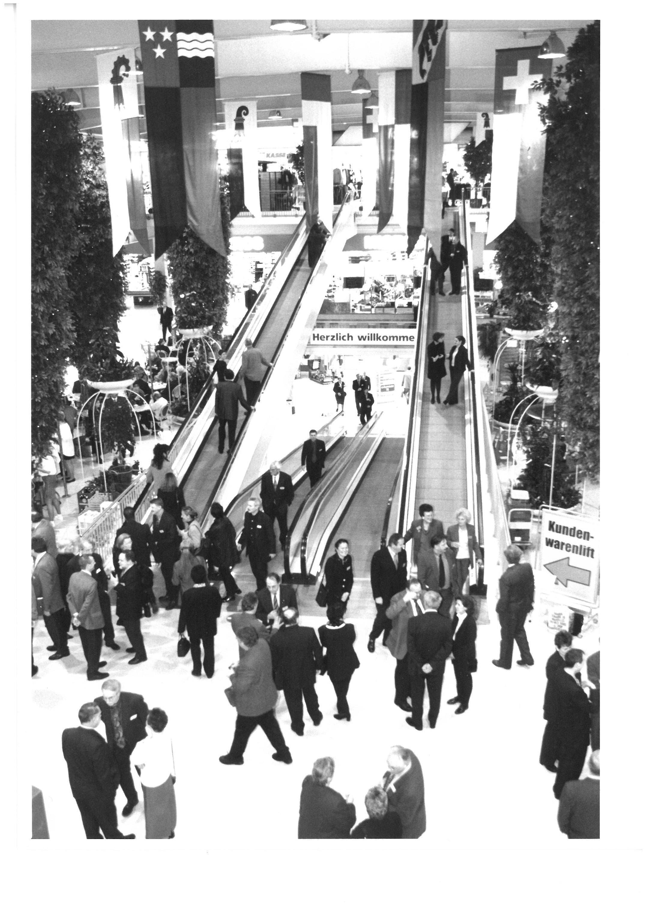 Zur Jahrtausendwende wohnten 600 Gäste der offiziellen Gäupark-Eröffnung bei. (23. Feburar 2000)
