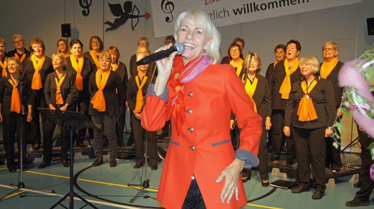 Frauenchor und Wally Schneider beglückten mit Herzensliedern