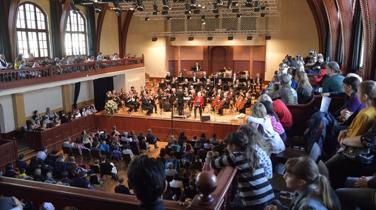 Bejubeltes Heimspiel: Stadtorchester spielt Neujahrskonzert