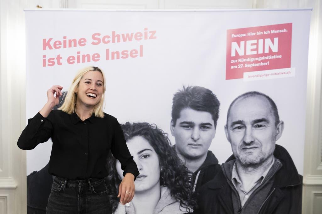 Laura Zimmermann, Operation Libero: Ich stosse auf Sie an, Herr Blocher, und wünsche Ihnen ein tolles Fest mit viel Gin & Tonic und ein langes, gesundes Leben. Auch wenn wir selten einer Meinung sind: Sie stehen stets für Ihre Überzeugung ein und haben viel erreicht. Prost und alles Gute. Auf dass Sie noch lange miterleben, wie die Schweiz sich verändert und das europäische Projekt mitgestaltet.