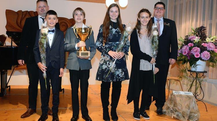 Junge Musikerinnen und Musiker zeigten ihr Talent am Musikwettbewerb
