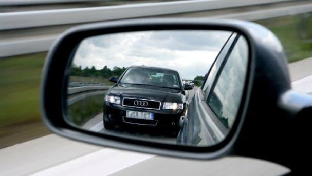 Drängeln im Strassenverkehr ist strafbar – Schikanestopps aber auch