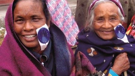 """Sorop Solothurn unterstützt """"Vision Himalaya"""": 60 Augen können wieder sehen"""