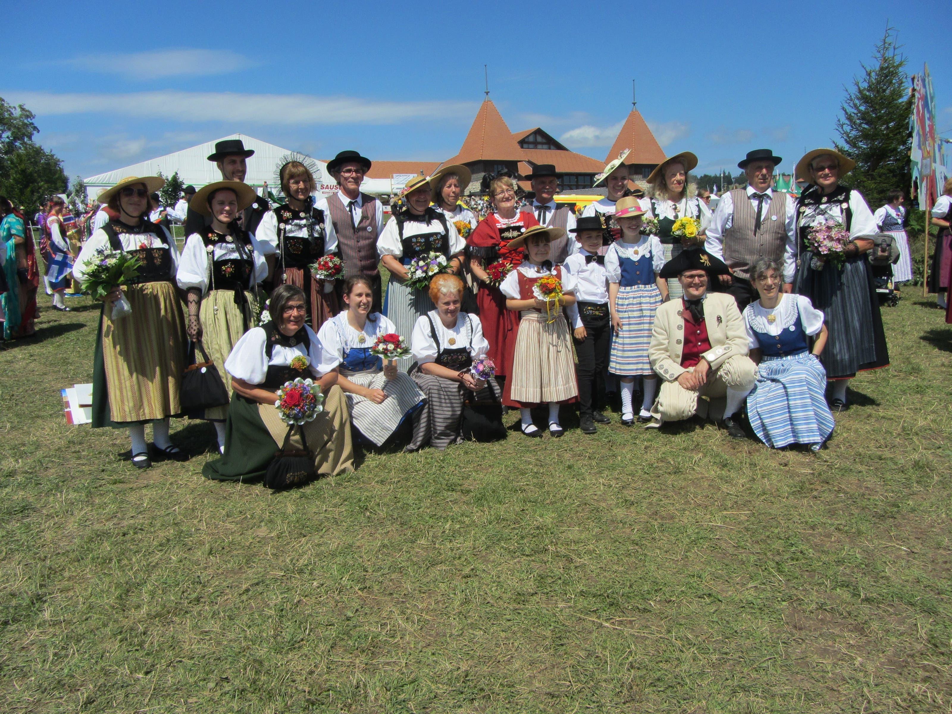 undefined Aargauer Trachtenleute aus allen vier Regionen vertraten den Aargauischen Trachtenverband am Marché-Concours
