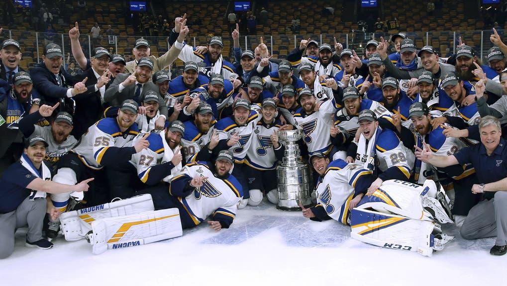 Auf der Triumph-Achterbahn: Die St. Louis Blues feiern ihren lang ersehnten NHL-Titel