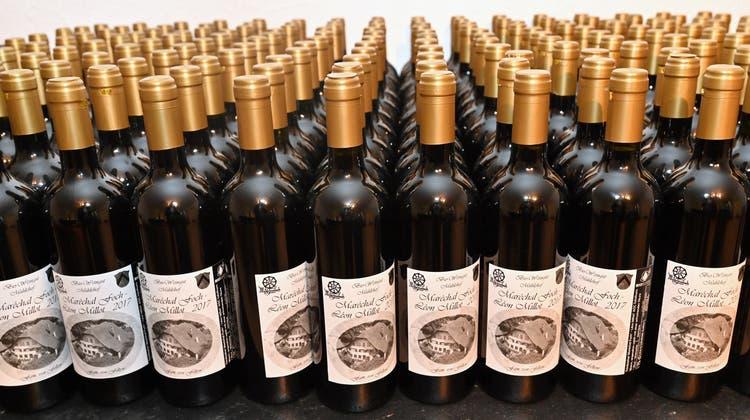 Die Flaschen sind bald leer: Der Vorrat des Trimbacher Weins neigt sich dem Ende zu