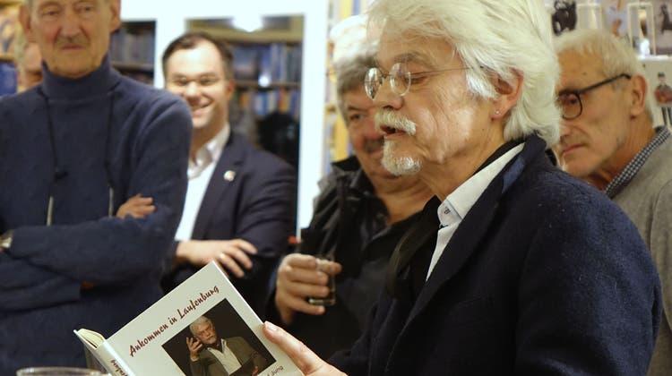 Lesung auf beiden Rheinseiten: Der Burgschreiber präsentiert sein Werk