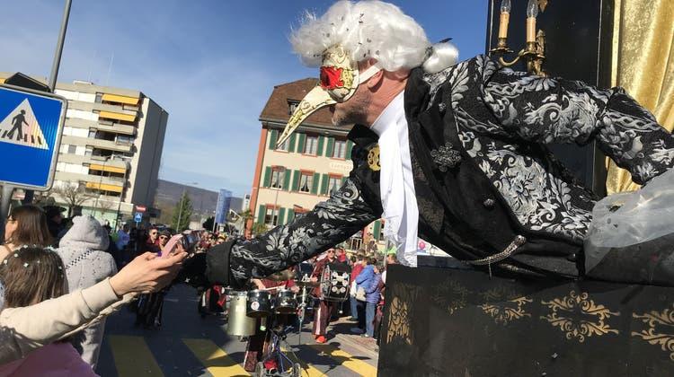 Fasnachtsumzug von Breitenbach: Klimatisch ist es fast wie am Karneval von Rio