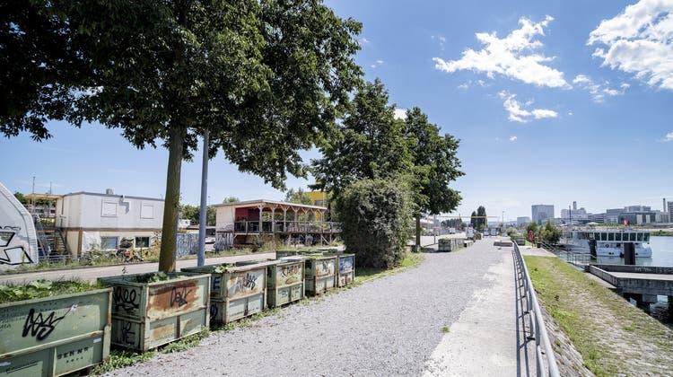 Baracke beim Basler Rheinhafen niedergebrannt