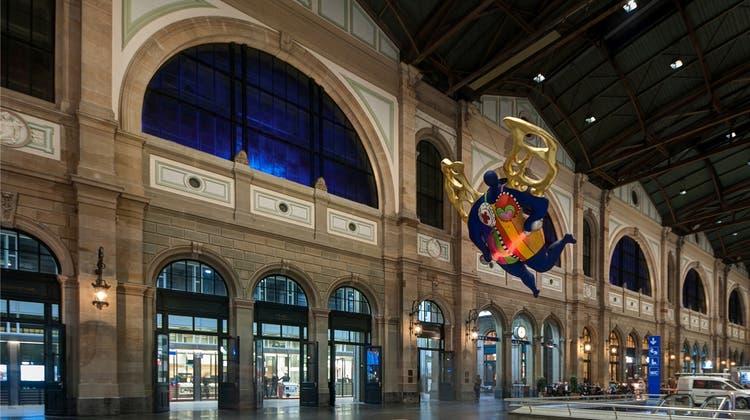 Neue Beleuchtung: Der Hauptbahnhof erhält einen Blaustich
