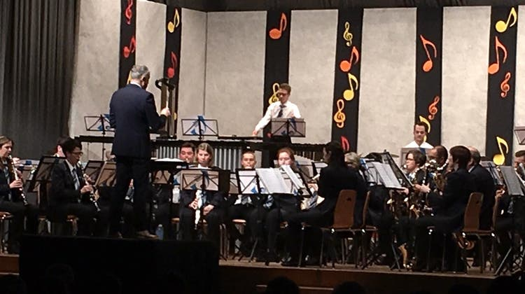 Konzert der Musikgesellschaft «Frohsinn» Neuendorf unter dem Motto «Musik mit Gästen»