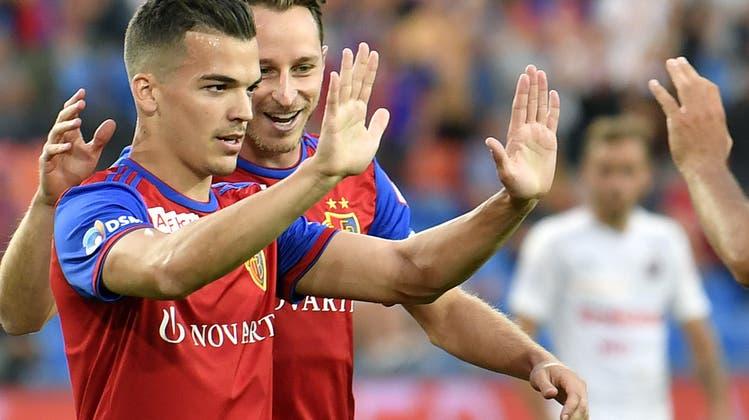 Der FC Basel gewinnt ein turbulentes Spiel mit VAR, Rudelbildung und Eigentor gegen Aufsteiger Servette mit 3:1