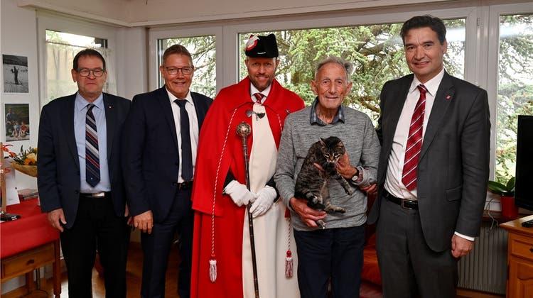 Dieser Grenchner feiert seinen 100. Geburtstag mit Landammann und Kavallerie