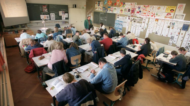 Experten kritisieren Basler Zeugnis-Verschärfung: «Schüler sollen auch Krisen haben dürfen»