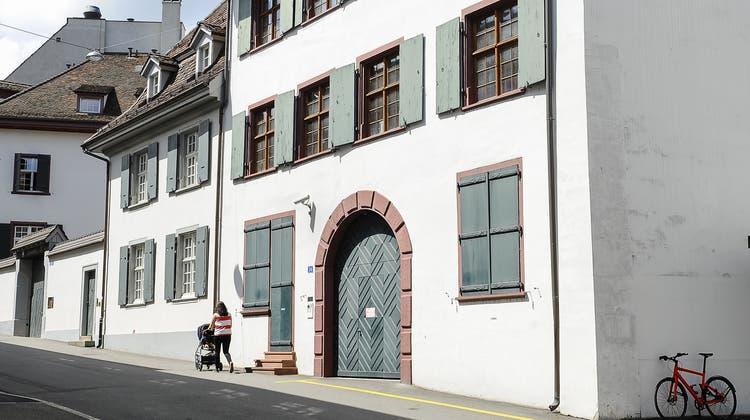 Die Firmenzentrale des verstorbenen Betrügers Dieter Behring wird zum Wohnhaus