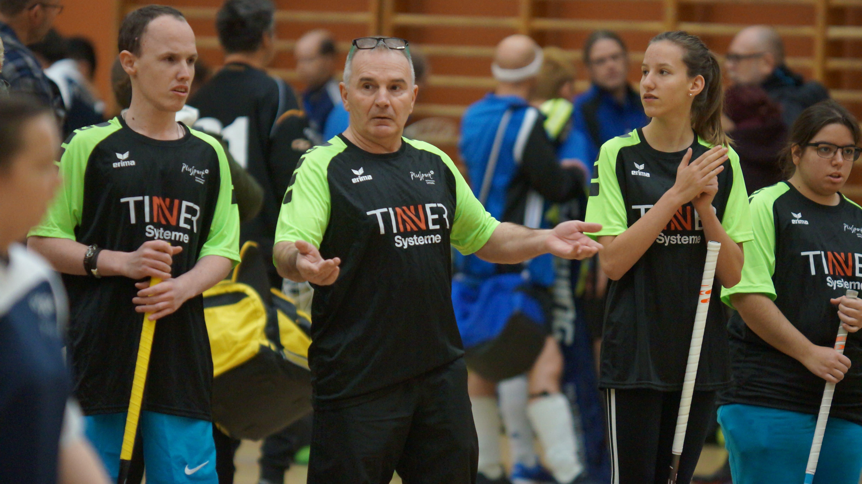 «Ich bin sehr zufrieden. Coach Ante Grgic (Mitte) holte mit den «Limmattaler Fighters» den Turniersieg.