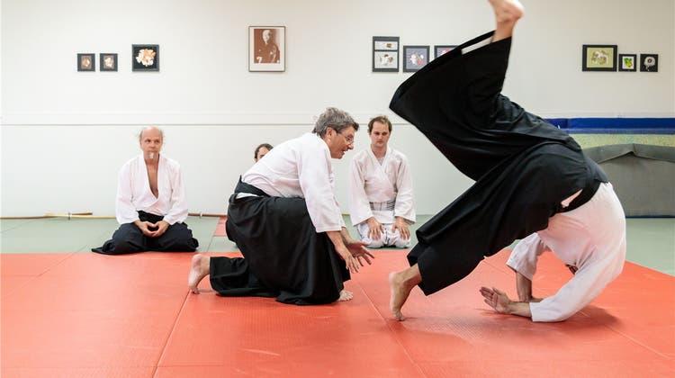 Aikido-Lehrer erzählt: «Wer Aikido beherrscht, bewegt sich anders im Alltag»