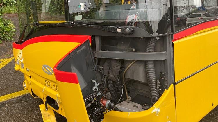Postauto verursacht mehrere Unfälle auf derselben Fahrt – Chauffeur erinnert sich an nichts