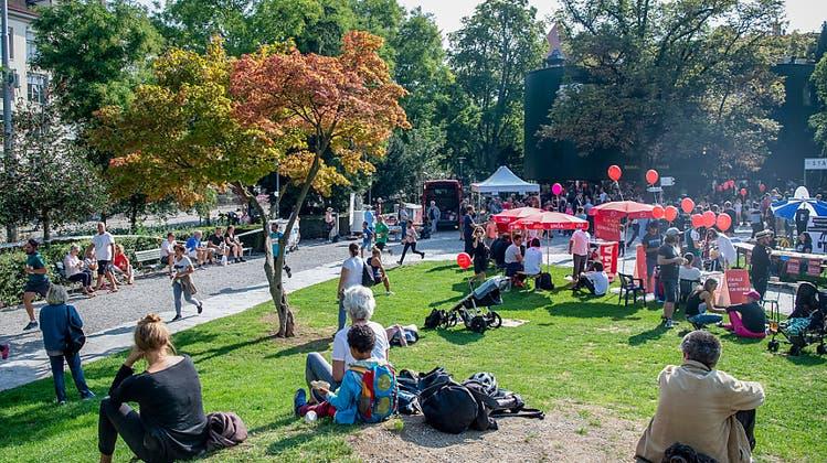 Stadt Zürich öffnet Parkanlagen wieder – die Seeuferpromenade bleibt jedoch gesperrt