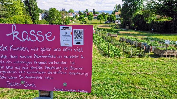 «Wir verlieren viel Zeit mit all dem Münz»: Hier bezahlt man seine Blumen neuerdings per Smartphone