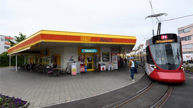 Aescher Tramschlaufe soll weg – SP-Landrat fordert Verlängerung des Trams an den Bahnhof