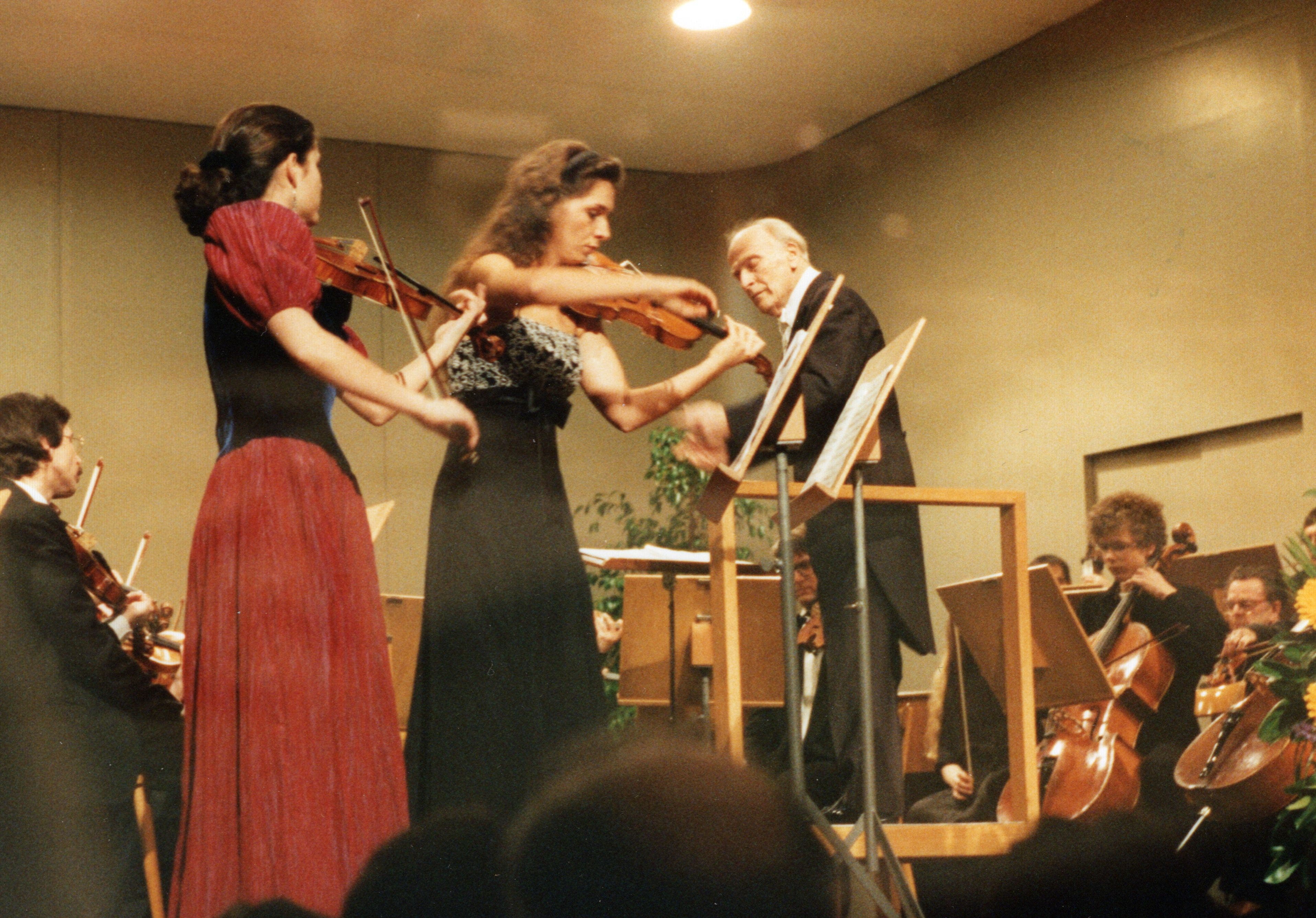 Konzert unter der Leitung von Yehudi Menuhin