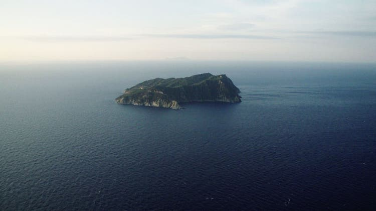 Die Insel als Gefängnis: Ein Laufentaler dreht den Film der Stunde