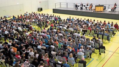 Es ist ein Schulhauskonzert der besonderen Art – dank sechs Solisten von Argovia Philharmonic