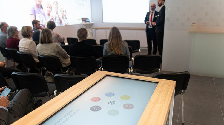 Technik statt Schalter: Die UBS testet in Bremgarten ein neues Konzept