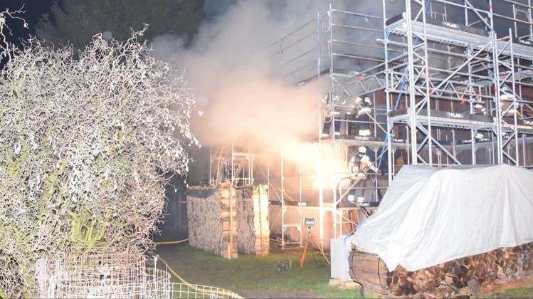 Hausbesitzer sind ratlos nach dritter Brandstiftung – Polizei erkennt Tatmuster