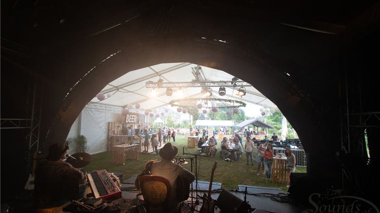 Musik und Gourmets zwischen Rosen: 4. Open Air Sounds of Garden lockt in den Rosengarten