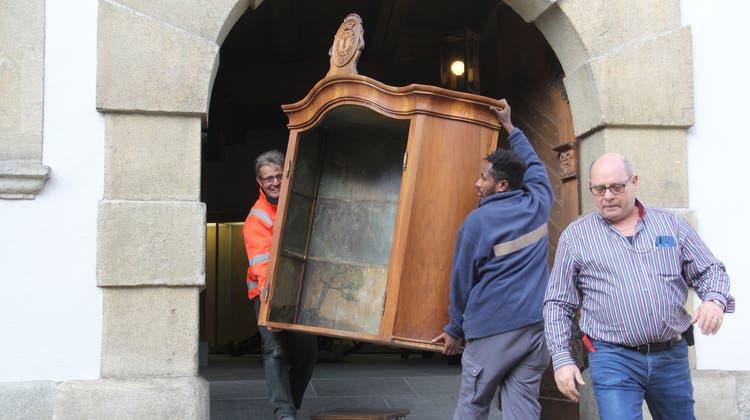 Das Villigerbuffet kehrt heim: Das Prachtstück kommt vom Stadtmuseum Brugg ins Spital Leuggern