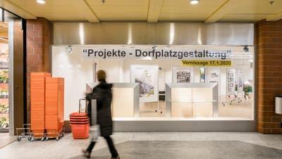 Der Dorfplatz Oberengstringen wird zum Ausstellungsthema