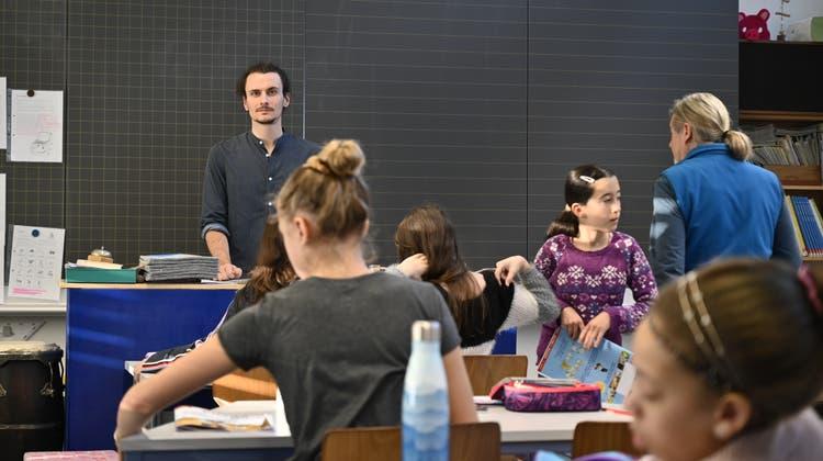 «Parlez-vous Deutsch?»: PH-Studenten aus La Chaux-de-Fonds unterrichten in Grenchen