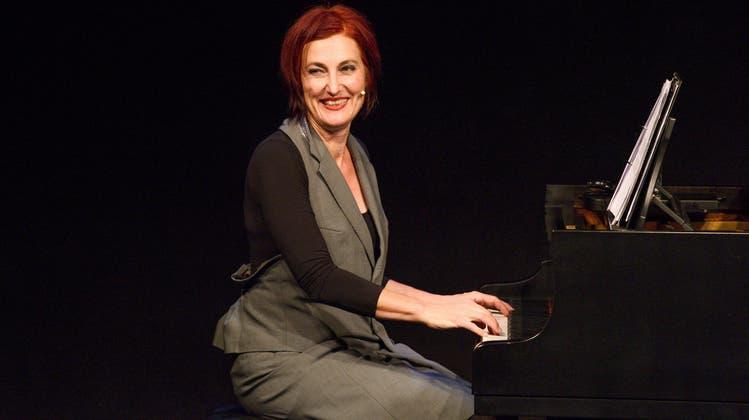 Esther Hasler reitet mit «Lichtjahre» durch musikalische und komödiantische Genres