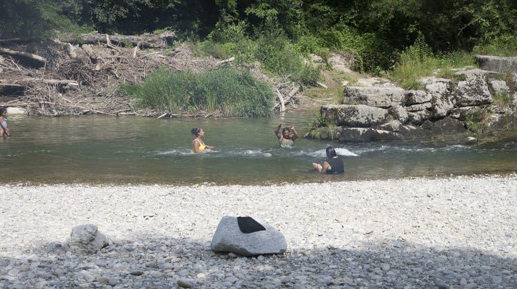 Bagger, Bier und Barbecue: Das Emme-Ufer im Treffpunkt-Check