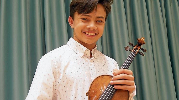 Immer Freude an der Musik: 13-Jähriger Solist spielt am Neujahrskonzert