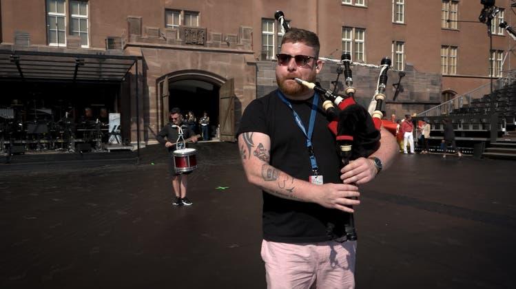 Schottische Klänge, chinesische Löwen und ein Piccolo – die Proben des Basel Tattoo im Video