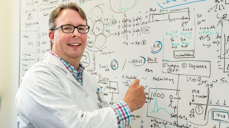 «Die Dynamik des Virus ist unglaublich wechselhaft»: Dieser Mann entdeckte die Basler Corona-Mutation