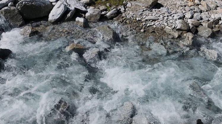 Der weisse Bach im Val Müstair – und des Rätsels Lösung