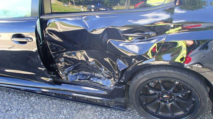 Kollision auf der Autobahn: 43-Jährige und 31-Jähriger prallen zusammen – Blutentnahme angeordnet