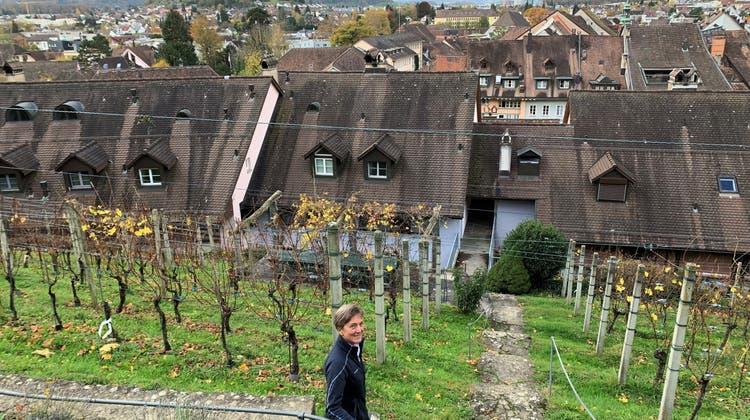 Der Rebbau ist für Monica Stauffer ein Hobby – das hat für sie und den Wein Vorteile